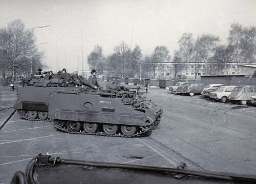 1970 1971 B Esk 1e Pel 103 Verkbat Gereedstelling op de Middenweg Inz. Pieter Born