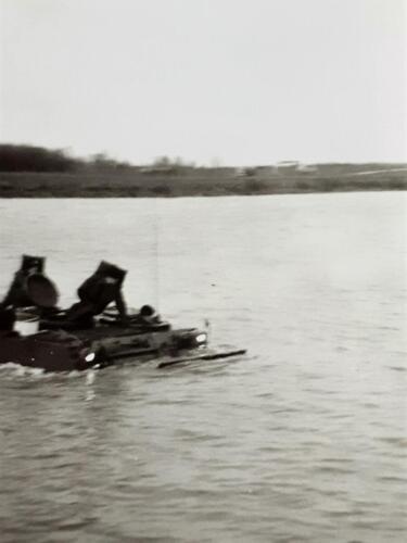 1970 A Esk 69 3 103 Verkbat Oefening Wesersprong. Ch Jos Heerink Inz. Ad van den Berg 2