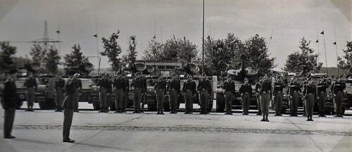 1970 B-Esk 103 Verkbat Ritm G. Eleveld in parade opst. Fotoboek Plv  Elnt R Meeder