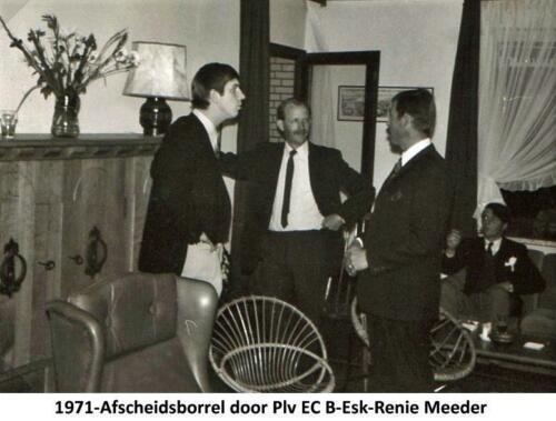 1971-07-17 B-Esk 103 Verkbat; Afscheidsborrel bij Elnt Meeder; Wmr I Kuijpers, Rit Willem Plink, Owi Pierre Hoefnagel en Knt v Driel