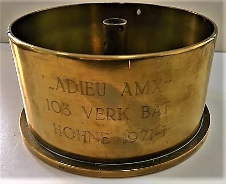 1971 09 103 Verkbat Bergen Hohne Laatste schot AMX tank 105. Huls met inscriptie Adieu AMX Inz. Jacques Bartels