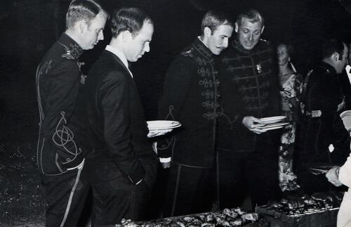 1971 103 Verkbat Trakehnerbal; JW Kramer (41 ZVE), Siger v Vossen, Hans Karssing en Karel de Ruiter (SSV)