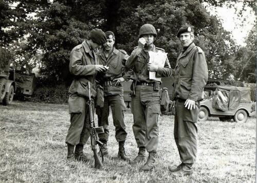 1972-06-23 B-Esk 103 Verkbat Oef 'Juno Catch'. De C EOG Sgt I Koos Kerkvliet, Wmrs I Geert Snellen, Hans Kuijpers en Geert Fokkens