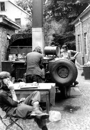 1972 06 23 B Esk 103 Verkbat Oef Juno Catch. De keukengroep aan het werk