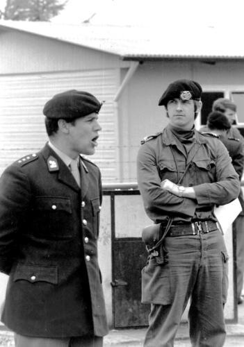 1972-06-23 B-Esk 103 Verkbat Oef 'Juno Catch'. Ritmeester Piet Bruinink en d.d, Owi Wmr I Hans Kuijpers