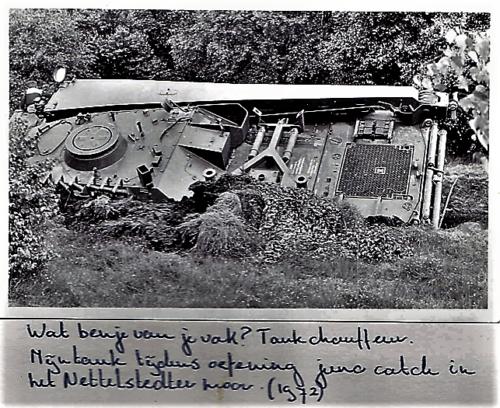 1972 SSV Esk 103 Verbat Bergingstank vast in het Nettelstedter Moor