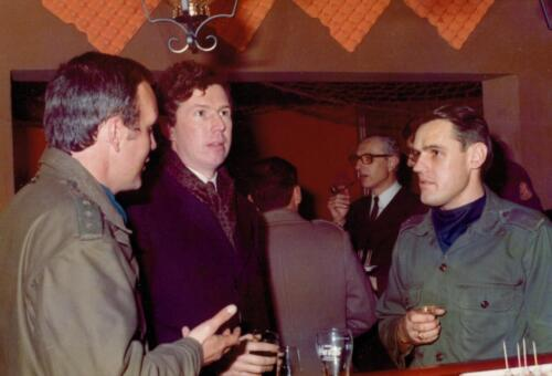 1973 103 Verkbat Hoog bezoek. Re Plv C A Elnt Gideon Jansse Inz. Koos Oosterhoff