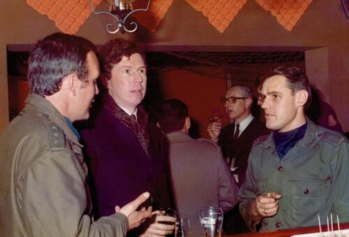 1973 103 Verkbat Hoog bezoek. Re Plv C A Elnt Gideon Jansse Inz. Koos Oosterhoff 1 1