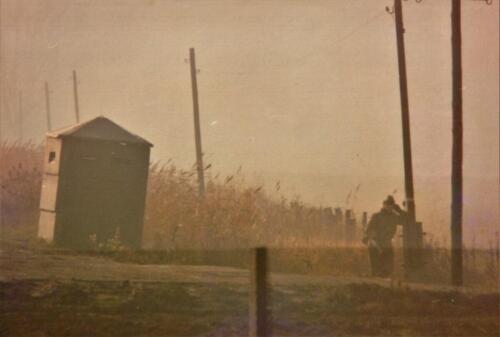 1973 A Esk 103 Verkbat Bezoek aan de DDR grens IDG Vopos bekijken of keken zij... Inz Koos Oosterhoff 3