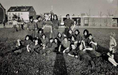 1973 A Esk 103 Verkbat Na de avondvierdaagse met Elnt Zeelenberg. Inz. Frederik Tattersall