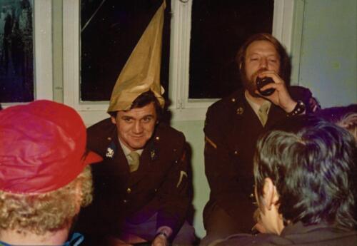 1973 A Esk Lipl 72 6 103 Verkbat Schietserie Bergen Hohne. Vertier na de schietdag Inz. Koos Oosterhoff