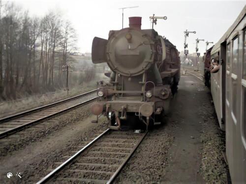1973 B esk 103 Verkbat Treinladen Godenstedt met stoomtrein richting oefengebied. Inz. Ad Hester 1
