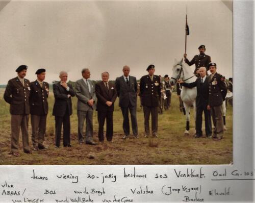 1981-06-21 103 Verkbat; Co overdracht. Lkol Eleveld aan Abbas tvs 20 jaar 103. Fotoboek van de Maj R Meeder  (6)