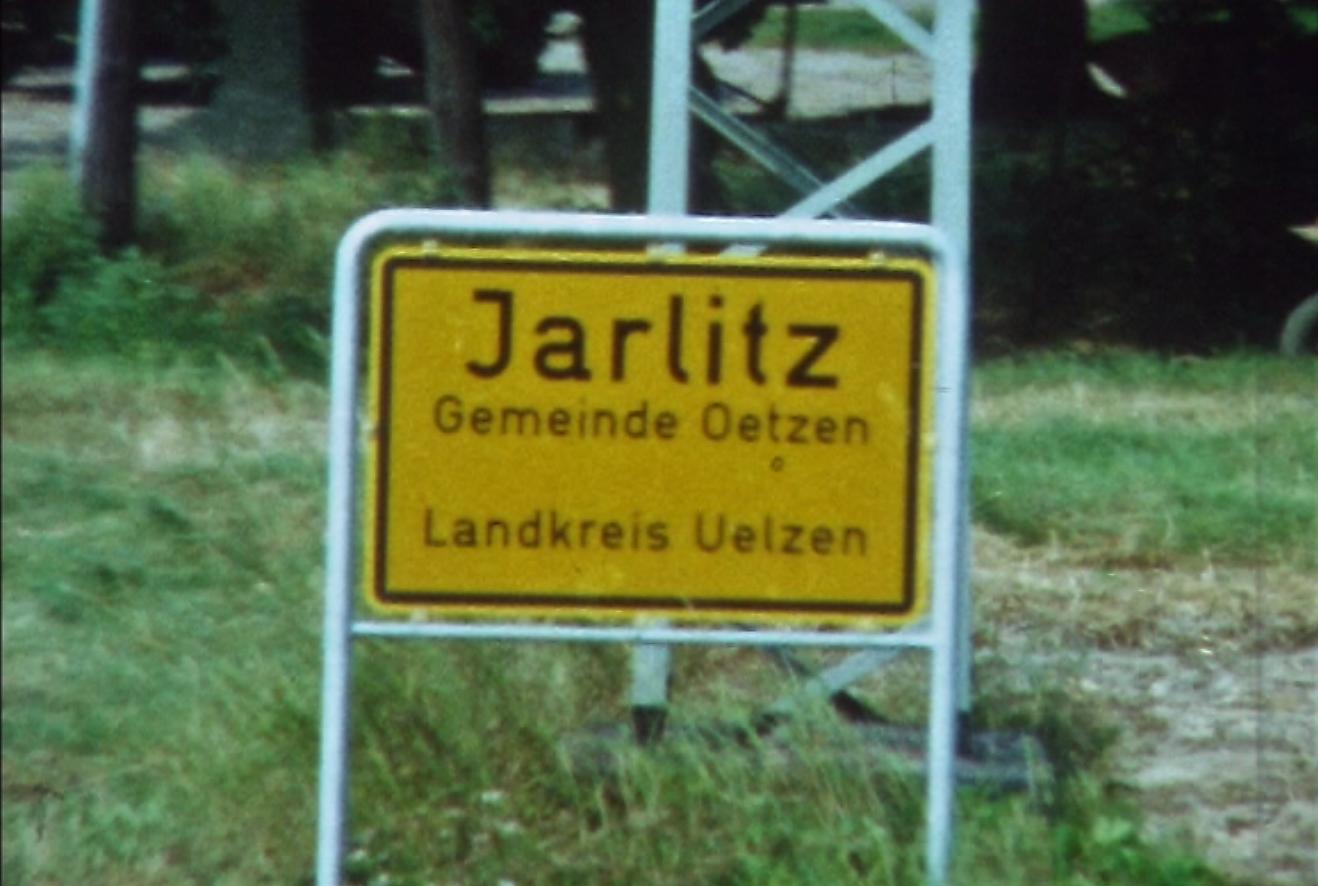 1974 08 23 tm 27 103 Verkbat Oef Wildbaan. 28 Opmars wordt voortgezet. Inz. Ritm Lukas Maas