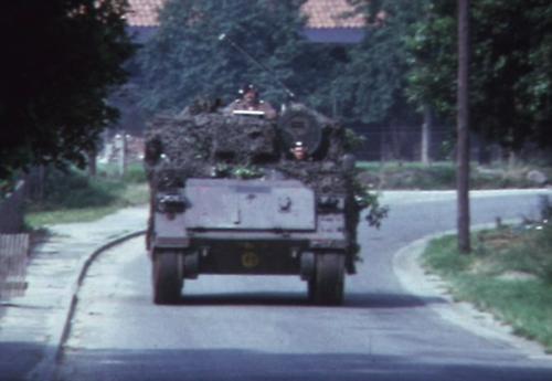 1974 08 23 tm 27 103 Verkbat Oef Wildbaan. 37 Weer opmars Inz. Ritm Lukas Maas