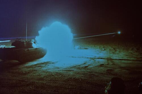 1974 09 A Esk 103 Verkbat Schietserie Avondschieten met lichtspoor. Inz. Harry de Groot 2