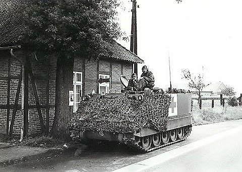 1974 103 Verkbat De M113 ziekenbak met hospikken