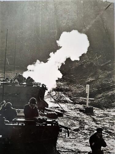 1974 103 Verkbat Schietserie Mortier 4.2. Foto Roy von Winkelman.