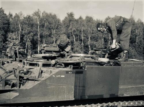 1974-1975 B-Esk li 74-4 103 Verkbat; Oefeningen en kazerneleven. Inzender Frans Homminga  (1)