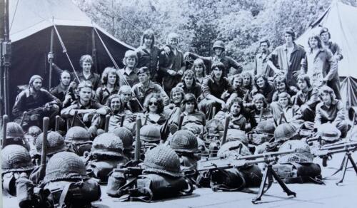 1974 1975 A Esk 103 Verkbat 3e Pel Oef Pantserstorm Roosendaal. Midden een commando. Inz. Wmr Harry de Groot