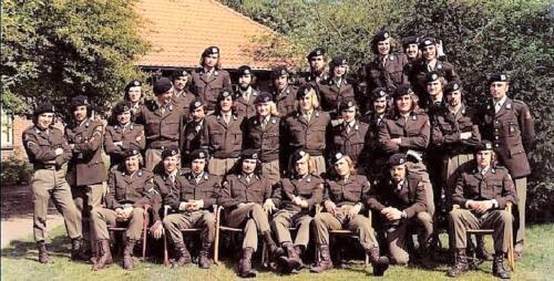 1974 A Esk 103 Verkbat een peloton...
