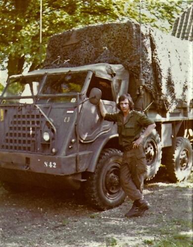 1975 05 SSV 103 Verkbat Louis Boermans bij zijn DAF 328 Tevens ch voor Maj de Ruiter