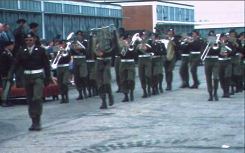 1975 06 103 Verkbat 20 Co overdracht Lkol Cavadino Valstar Trompetterkorps Inz. Lukas Maas