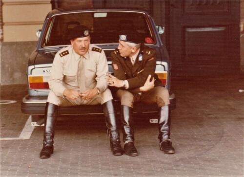 1975 09 Koninklijke stallen Lkol Lichtenvoort Cats en Res Maj v. Romondt Vis Inz. Res. Ritm Lukas Maas