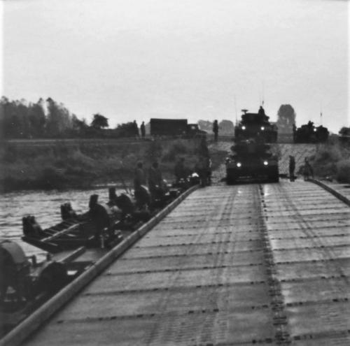 1976 A Esk 103 Verkbat Oef Wildbaan bij Lohne Inz. Arnhoud de Beaufort 1
