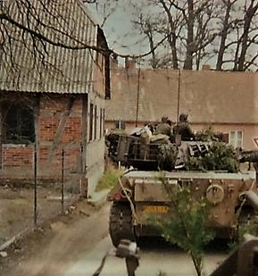 1976 A Esk 103 Verkbat Oef Wildbaan bij Lohne Inz. Arnhoud de Beaufort 2