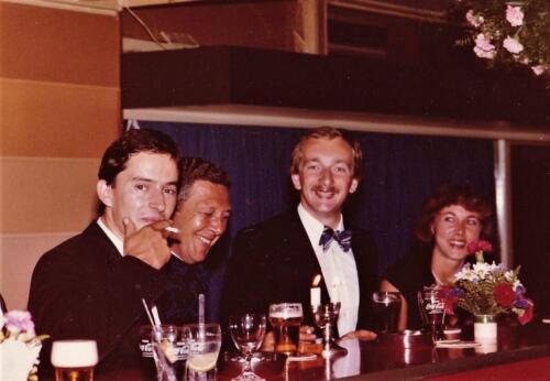1977 08 12 103 Verkbat Co overdracht Lkol Valstar PBC de Jong en Knt W Notten. Trakehnerbal. Inz. Res. Ritm Lukas Maas