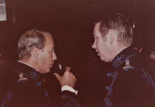 1977 08 12 103 Verkbat Co overdracht Lkol Valstar naar v Lingen Aansluitend Trakehnerbal. Inz. Res. Ritm Lukas Maas 3