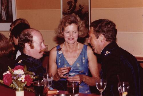 1977 08 12 103 Verkbat Co overdracht Valstar Trakehnerbal. C SSV Felix en Elly Agasi PBC Hein de Jong. Inz. Res. Ritm Lukas Maas