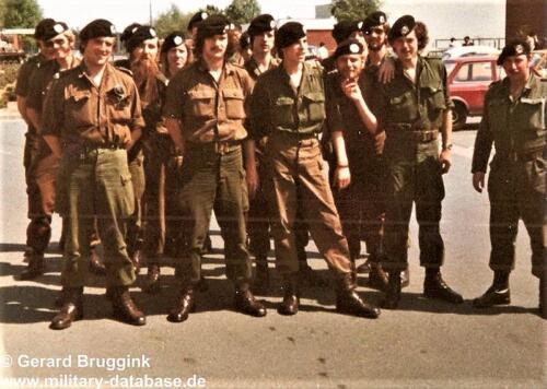 1977 - 1978 A-Esk 103 Verkbat  In het gelid of op de plaats rust, rust. Het kazerneleven in Seedorf  (1