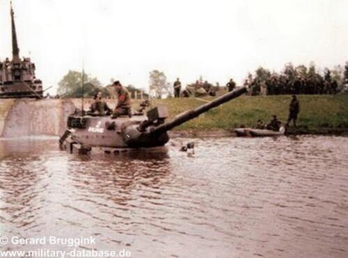 1977 - 1978 A-Esk 103 Verkbat Doorwading Leop I Foto's Huz Bruggink (2)