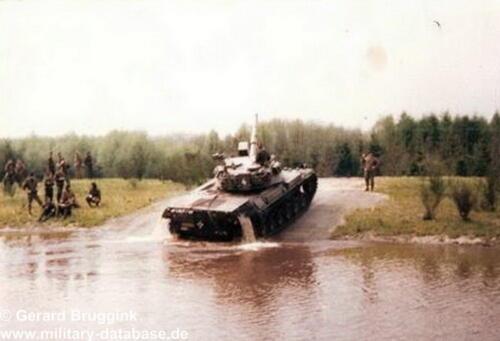 1977 - 1978 A-Esk 103 Verkbat Doorwading Leop I Foto's Huz Bruggink (6)