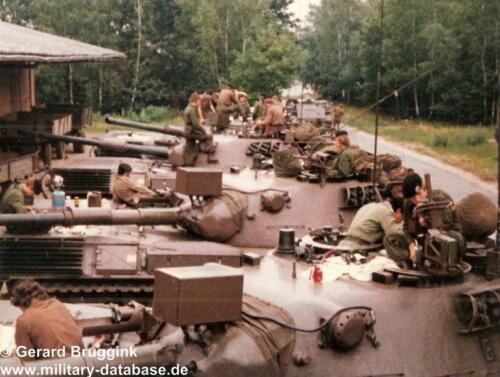 1977 - 1978 A-Esk 103 Verkbat Onderhoud tijdens oefening (1)
