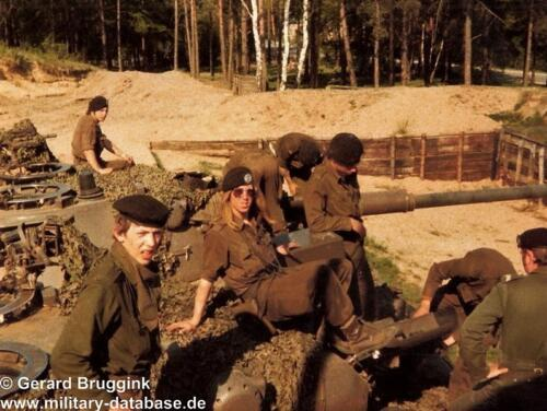 1977 - 1978 A-Esk 103 Verkbat Onderhoud tijdens oefening (2)