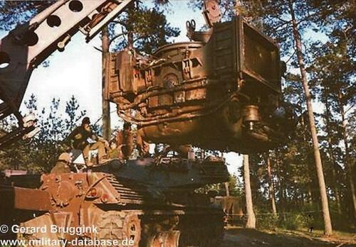 1977 1978 SSV Esk 103 Verkbat BOG Motor wisselen Leop I