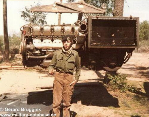 1977 1978 SSV Esk 103 Verkbat BOG Motor wisselen Leop I 2