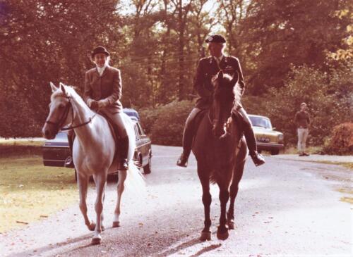 1977 Landgoed Maarsbergen Lkol Jhr A vd Goes met Jvr Cornelie Godin de Beaufort Inz. Res. Ritmeester Lukas Maas