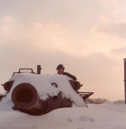 1978 08 15 A Esk 103 Verkbat Leop I in de sneeuw. Inz. Huz I Alex Keijzer