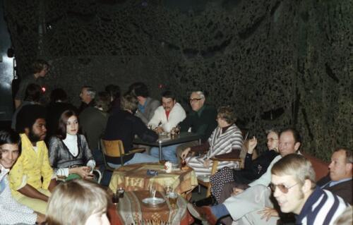 1978 SSV-103 Verkbat; Ouderweekend. o.a. 2e van li de berger kpl I Glen en achterin grij s de Owi Teun Jordaan.