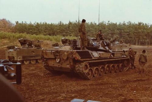 1979 1980 A Esk 103 Verkbat. 6. Mooie opname van een Leopard I tijdens oefening. Inz. Mortierist Peter van der Spek