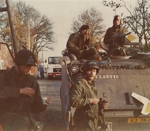 1979 1980 A Esk 103 Verkbat. 7. Oefening met o.a. Wmr I radar Piet Ellens. Inz. Mortierist Peter van der Spek