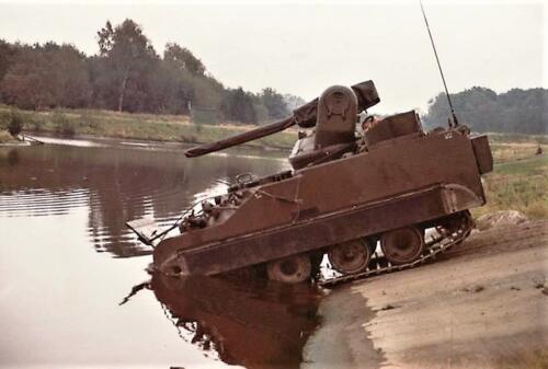 1979 A esk 1e pel 103 Verkbat; Alle pluggen dicht, het waterschot naar voren en de bilgepompen aan! Foto Peter Stuurman