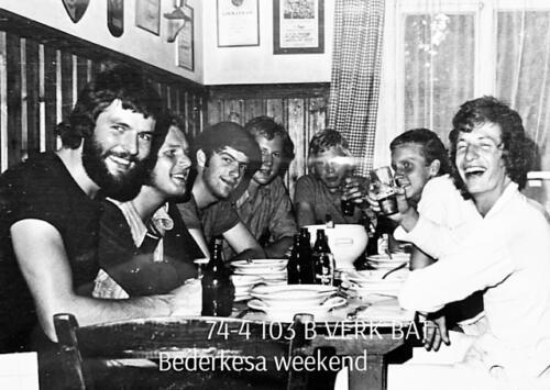 1974-1975 B-Esk li 74-4 103 Verkbat; Weekend in Bederkesa. Inzender Frans Homminga  (4).