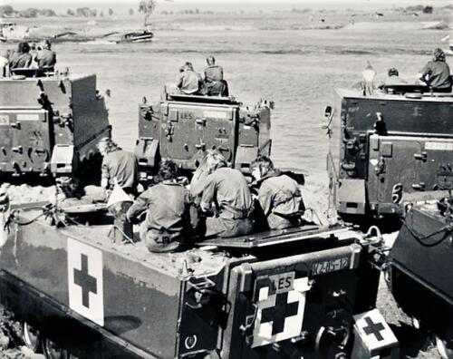 1974-1975 B-Esk li 74-4 103 Verkbat; Oefeningen en kazerneleven. Inzender Frans Homminga  (4)