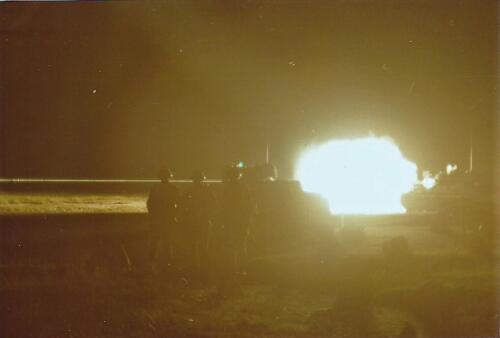 1980 03 tm 12 B esk 3e pel. 103 Verkbat Schietserie nachtschieten.Leopard I Inz. knt Kees C.M. Blom