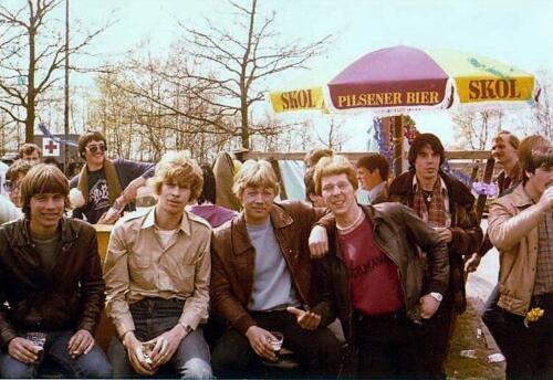 1980 04 25 A Esk 103 Verkbat Paalzitten in Heeslingen deeelnemer o.a. Kpl I Eendenburg